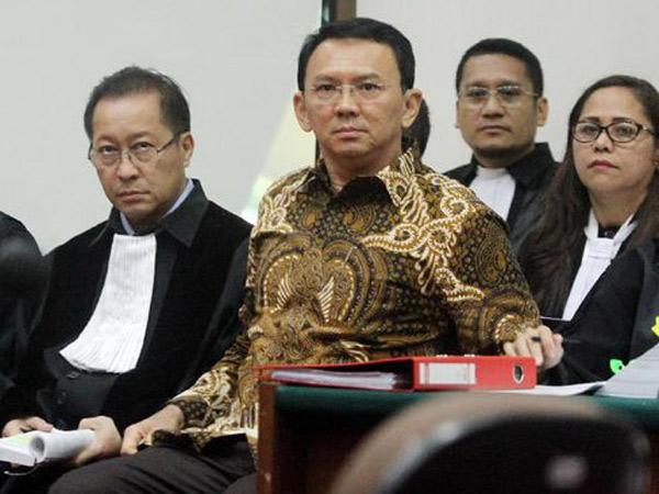 Fakta Bertentangan, Kuasa Hukum Yakin Ahok Bakal Bebas dari Dugaan Penistaan Agama?