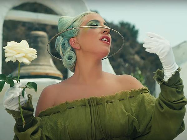 Lady Gaga Curhat Berpikir Bunuh Diri Setiap Hari