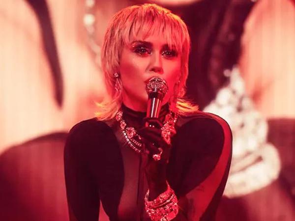 Miley Cyrus Umumkan Album Terbaru 'Plastic Hearts'