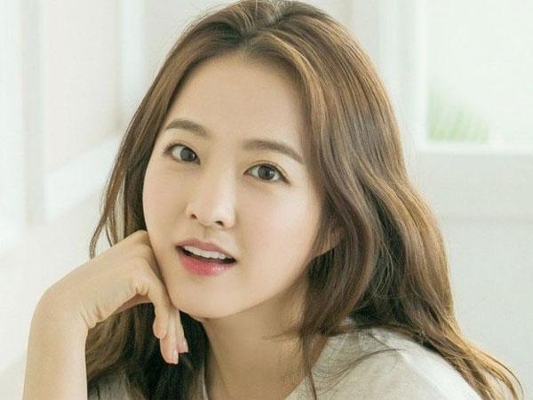 Park Bo Young Berikan Donasi Bermakna untuk Gadis Muda