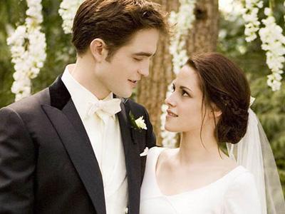 Kristen Stewart Simpan Cincin Pernikahannya di Film Breaking Dawn Part I