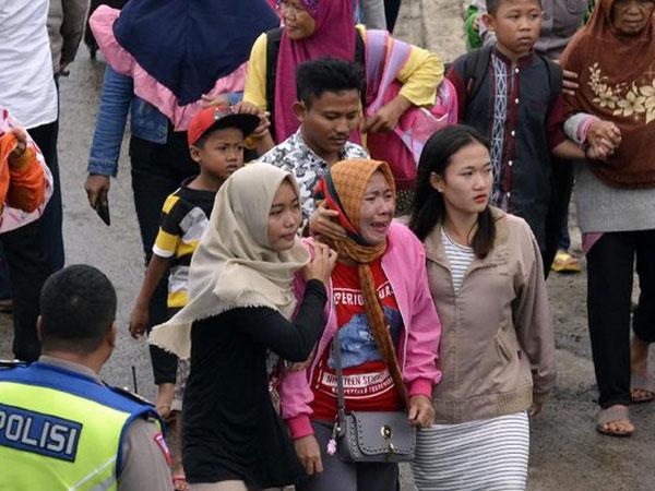 Mirisnya Fenomena Tren Selfie Warga di Lokasi Tsunami Sampai Dibahas Media Asing