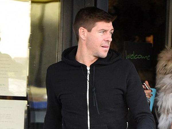 Beredar, Video Perkelahian Steven Gerrard di Jalanan