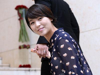 Hamil 5 Bulan, Sunye Wonder Girls Tampak Cantik di Pernikahan Joo Ah Min