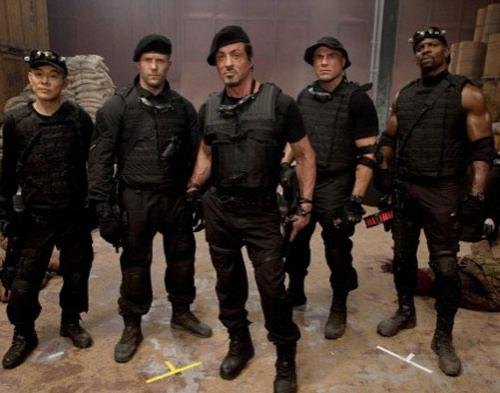 The Expendables 2 Aman di Tonton Anak