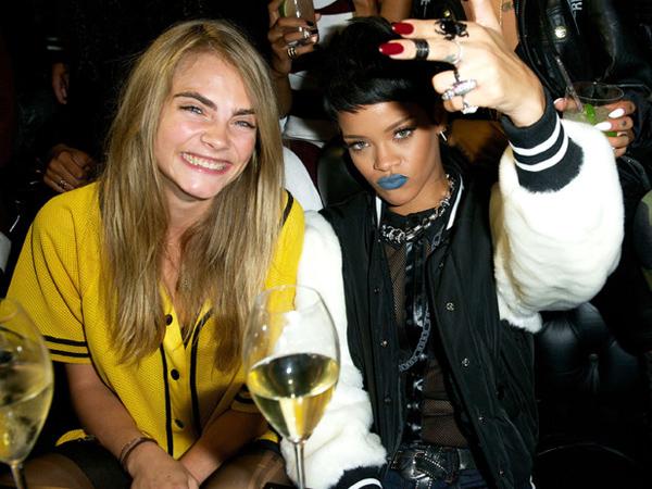 Susul Cara Delevigne, Rihanna Kembali Jadi 'Pemburu' Alien