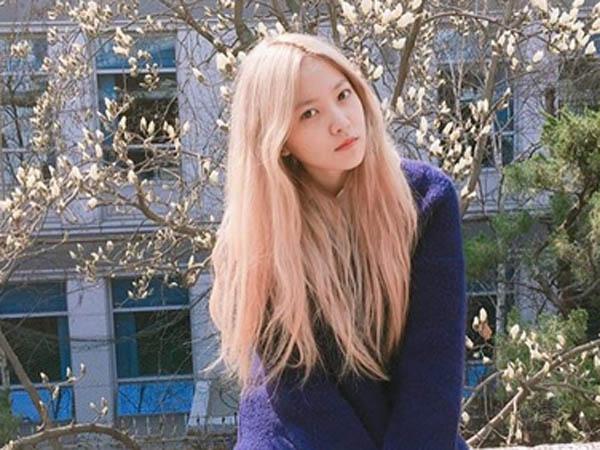 Cerita Alasannya Takut Menatap Kamera, Yeri Red Velvet Sampai Menangis?
