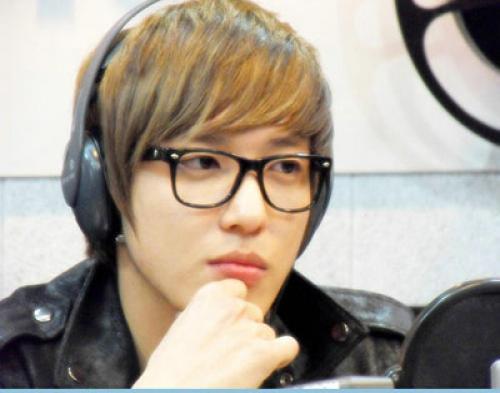 Siapkan Album Baru CN BLue, Yonghwa Menghilang
