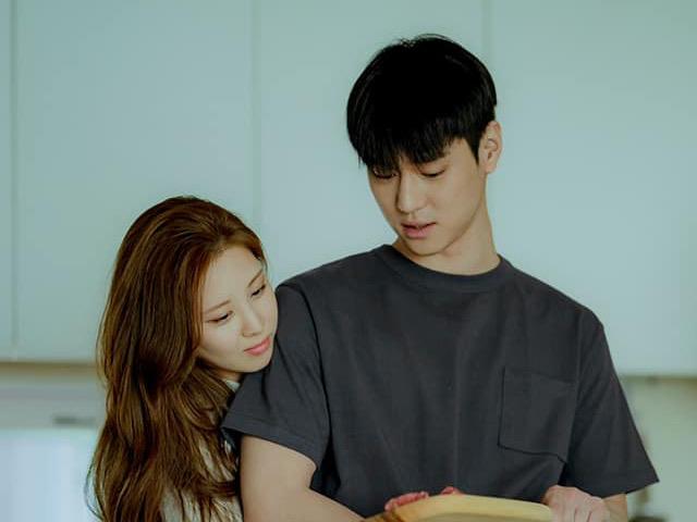 Go Kyung Pyo dan Seohyun Saling Perhatian Selama Syuting Drama 'Private Lives'