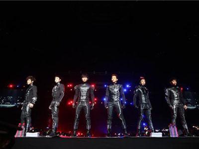 Disela Konser, 2PM Nyanyi Lagu �Satu Dua Tiga Sayang Semuanya�