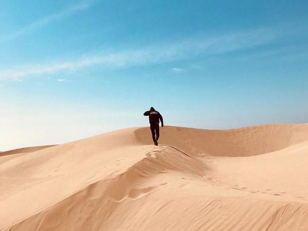 Eksotisnya Pantai Oetune di NTT Mirip Gurun Sahara