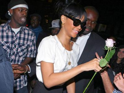 Wah, Rihanna Kencani Atlet Basket Kontroversi