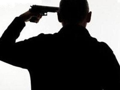 Duh, Belasan Siswa SD Saksikan Pria Bunuh Diri