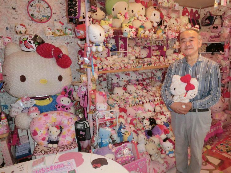 Kakek Ini Tercatat sebagai Pengoleksi Hello Kitty Terbanyak di Dunia, Berapa Jumlah Koleksinya?