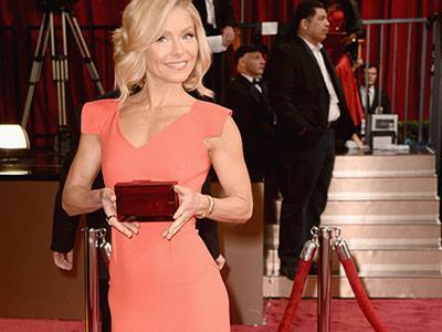 Wah, Selebriti ini Membeli Gaun Oscars-nya di Web Online!