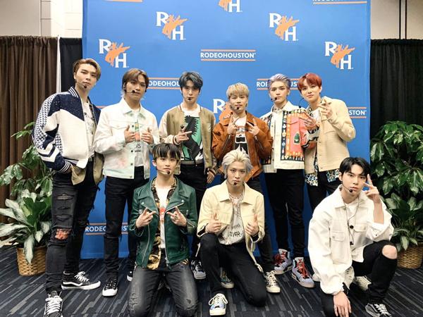 NCT 127 Jadi Boy Group K-Pop Pertama yang Tampil di Rodeo Houston