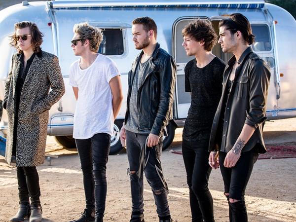 Ajak Legenda Hollywood, One Direction Segera Rilis Video Musik 'Aneh'!