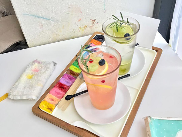 Peach Grey, Kafe Artsy di Pojok Seoul yang Ajak Kamu Nongkrong Sambil Melukis