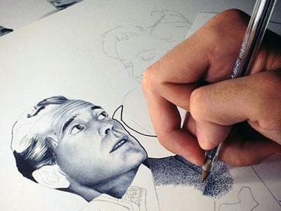 Kemampuan Unik, Seniman Ini Memotret Wajah dengan Pena