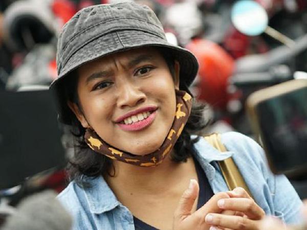 Bu Tejo 'Tilik' Berharap Diajak Main Film, Joko Anwar: Let's Go!