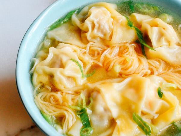 Butuh Makanan Hangat Di Musim Hujan? Cicip Tiga Sup Terpopuler di Dunia!