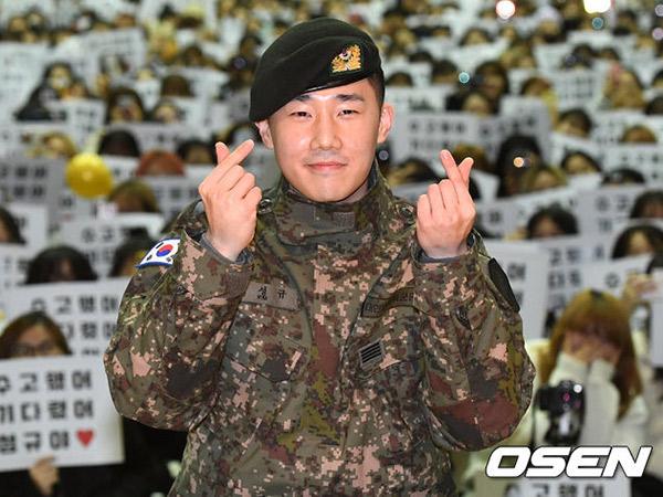Sunggyu INFINITE Resmi Bebas Wajib Militer, Langsung Gelar Mini Fan Meeting