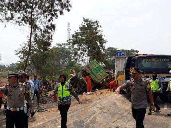 Sempat Diduga Kabur, Supir Truk Penyebab Kecelakaan Tol Cipularang Ternyata Tewas