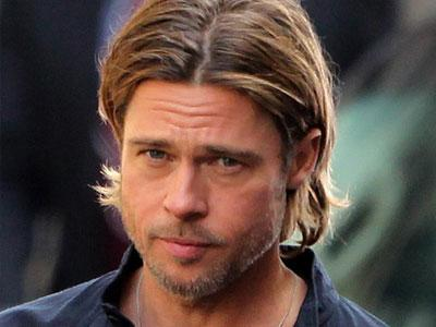 Promosikan Film Terbaru, Brad Pitt Bagikan Hadiah Langsung Pada Fans