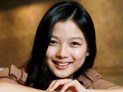 Foto Kakak Aktris Cilik Kim Yoo Jung Menarik Perhatian Fans
