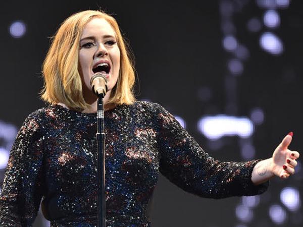 Adele Beri Bocoran Partisipasinya di Festival Glastonbury 2016!