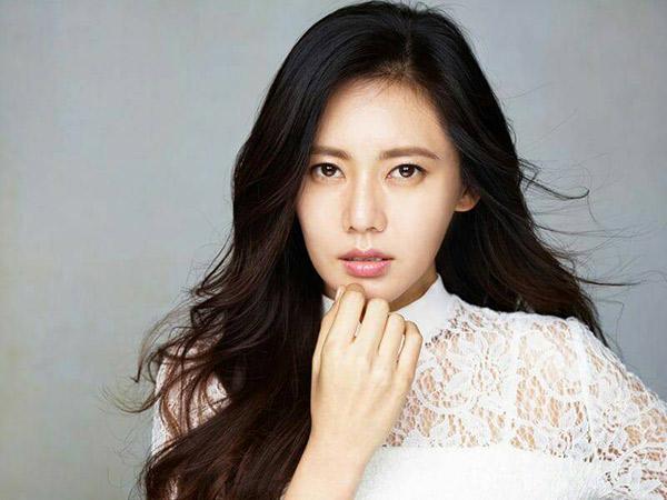 Agensi Tanggapi Kabar Aktris Chu Ja Hyun yang Tak Sadarkan Diri Usai Melahirkan
