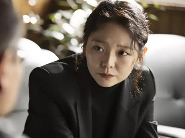 Intip Karisma Esom Sebagai Jaksa Dalam Drama 'Taxi Driver'