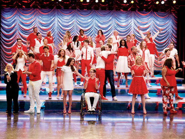 Jelang Episode Terakhir, Para Bintang Glee Bagikan Fakta Seru di Balik Layar
