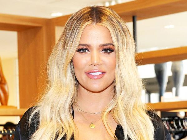 Pamer Perut Buncit, Khloe Kardashian Konfirmasi Kehamilan!