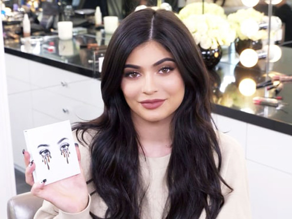 Setelah Lip Kit, Kylie Jenner Juga Luncurkan 'Kyshadow' untuk Kylie Cosmetics!