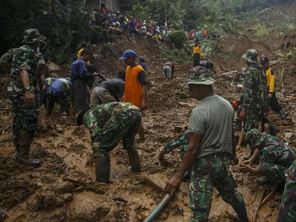 Wilayah Jawa Tengah Dilanda Banjir dan Longsor, 28 Tewas dan Puluhan Orang Hilang