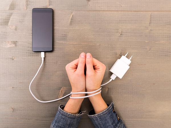 5 Manfaat Positif dari Melakukan 'Digital Detox', Apa Itu?