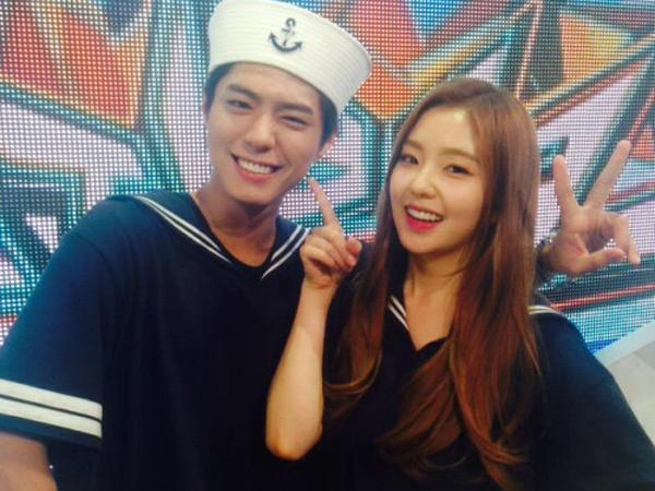 Saling Goda di 'Music Bank', Park Bo Gum dan Irene Red Velvet Kembali Buat Fans Gemas!
