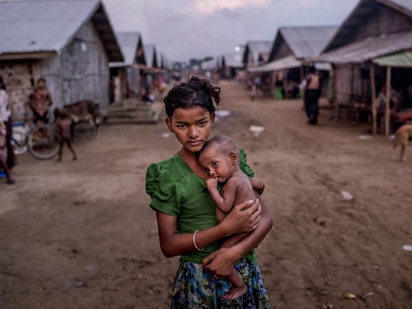 Cerita Mengerikan Korban Rohingya: Anak-anak Dipenggal dan Dibakar Hidup-hidup