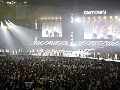 Hibur 70 Ribu Penonton, Konser SMTOWN Beijing Kerahkan 10 Ribu Personil Keamanan!