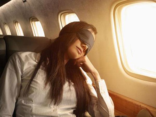 Ternyata Ada Alasan Mengapa Penumpang Jangan Tidur Saat Pesawat 'Take Off' dan 'Landing'