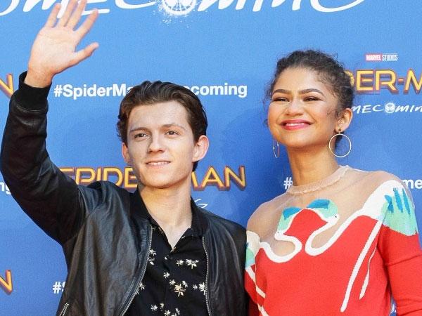 Dikabarkan Pacaran, Tom Holland 'Spider-Man' dan Zendaya Dibuntuti Paparazi!