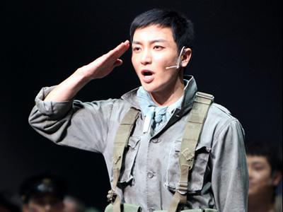 Akting Leeteuk Super Junior di The Promise Menarik Perhatian