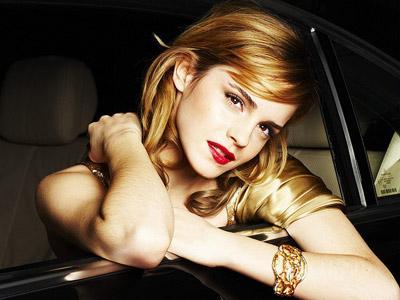Wah, Emma Watson Tak Ingin Lihat Adegan Ciumannya