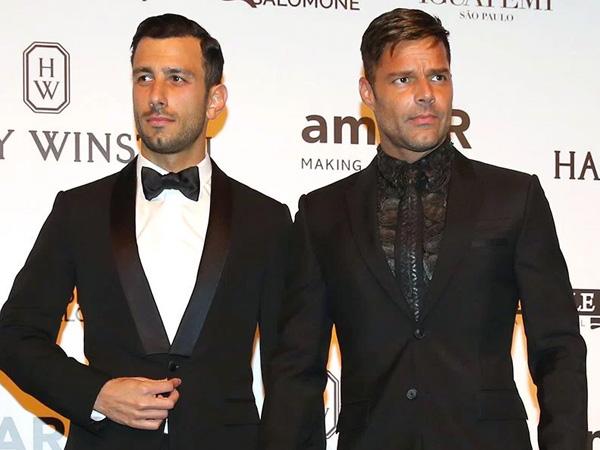Resmi, Ricky Martin Tunangan dengan Kekasih Prianya!