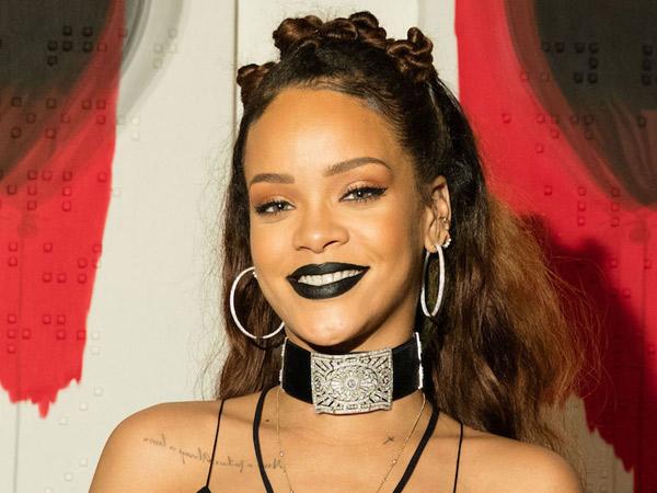 Demi Film Terbarunya, Rihanna Rela Ganti Model Rambut Jadi Nyentrik