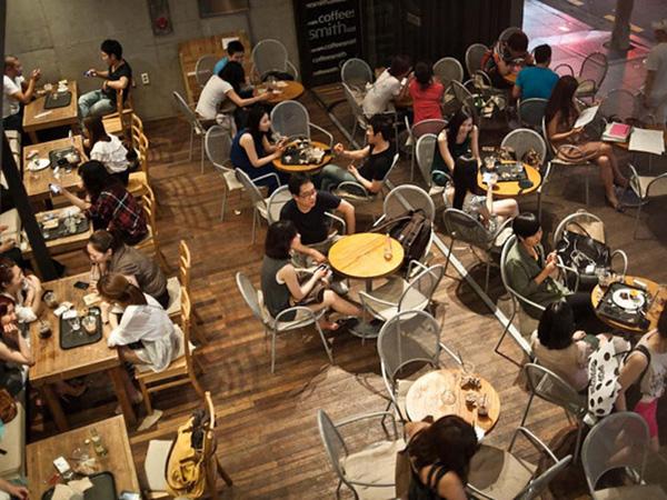 Jumlah Coffee Shop Membludak, Kebiasaan Baru Anak Muda Korsel Ini Tuai Keluhan