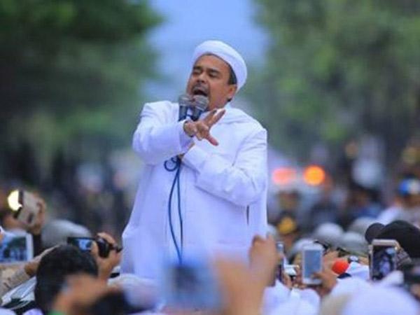 Pesan Habib Rizieq Via Telepon Soal Batal Pulang Lagi dari Arab Saudi
