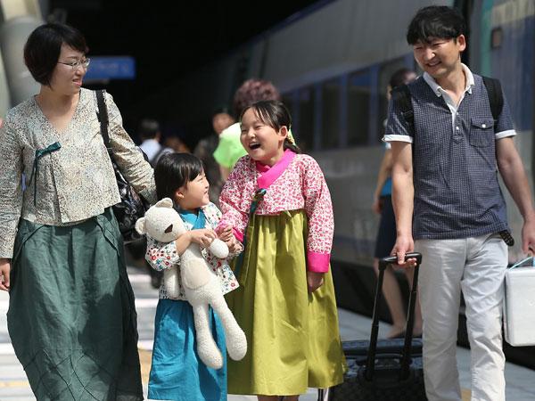 Jauhnya Perbedaan Waktu Libur Chuseok Korea Selatan dan Utara