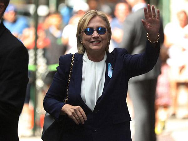 Heboh Video Nyaris Pingsan, Hillary Clinton Terkena Pneumonia